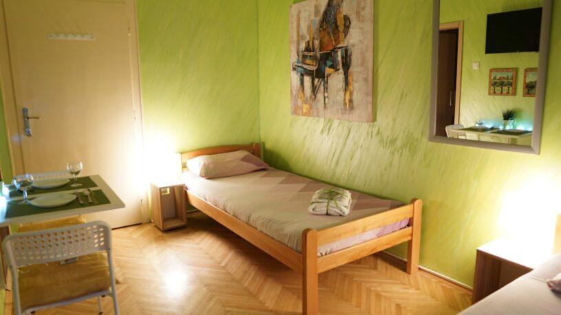 krevet za jednu osobu